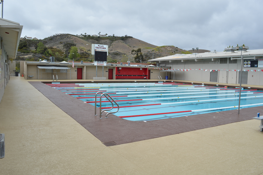 commercial-pool-deck-san-diego-4